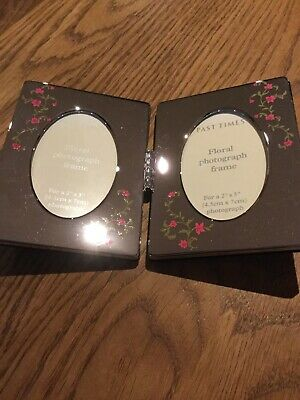 Past Times Double Photo Frame • 10£