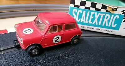 Scalextric C76 Mini Cooper Red. Boxed. Damaged • 10£