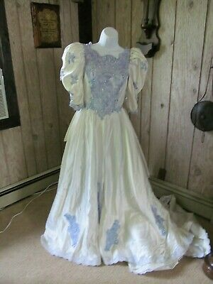$ CDN94.67 • Buy Vintage Ladies Cinderella Ball Gown Halloween Costume Small Old Wedding Gown