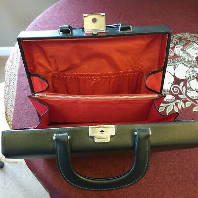 Vintage Ladies Briefcase Style Lockable Handbag With Keys. • 16£