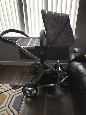 Cosatto Giggle 2 Travel System • 80£