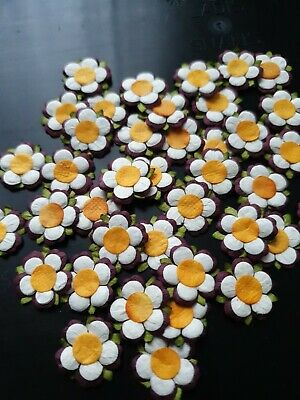 Craft Clearout 40 Handmade Daisy Paper Flower Embellishments White/Purple/Maroon • 1.49£