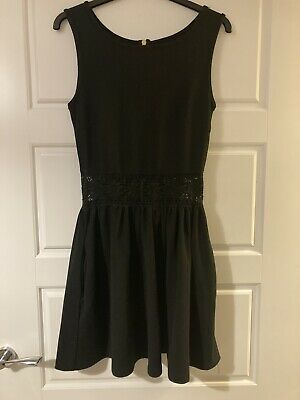 Womens Hearts And Bows Black Dress Size 8 • 2£