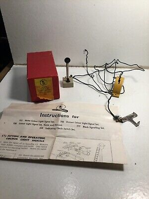 TTR Trix Railway 752 Light Signal With Fittings Within Its Original Box • 14.99£
