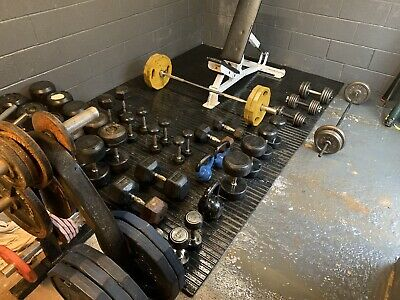 JOBLOT MULTI PURPOSE BENCH INCLUDING OLYMPIC 5ft BAR WEIGHTS & DUMBELLS • 2,000£