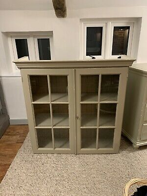 Shabby Chic Bookcase With Glass Doors And Lock • 40£