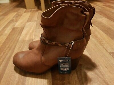 Ladies Pavers Boots Size 6 • 15£