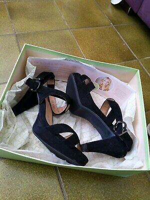 AU80 • Buy Ladies/women's Black Fashion Shoes. Ziera Soft Leather Heels Size 39