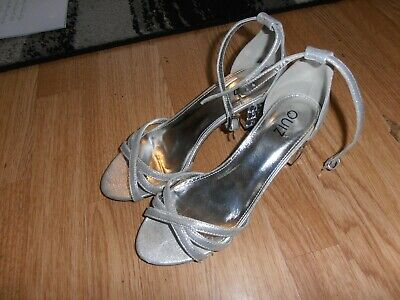 Ladies Size 5 Silver Strappy Shoes With Square Diamond Heels,from Quiz • 1.99£