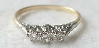 18ct YELLOW GOLD 3 STONE DIAMOND RING - MARKED 750 - SIZE M - 2 Grams • 199£
