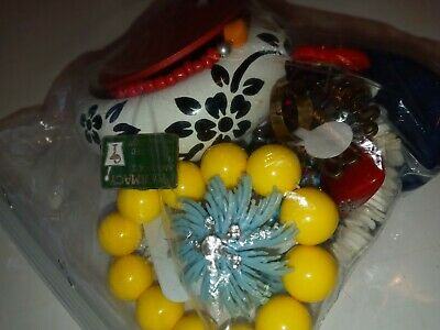 $ CDN17.17 • Buy Costume Jewelry Lot- UNSEARCHED, UNTESTED, Vintage To New Estate Bag/Box 238 Gms