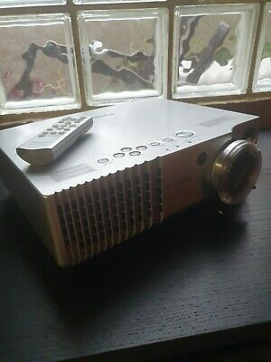 AU200 • Buy PANASONIC PTAE700E Projector GREAT CONDITION With Original Box