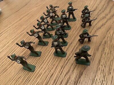 Sixteen Crescent Or Johillco British Soldiers • 10£