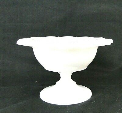 $26.05 • Buy Small Vtg White Milk Glass Scalloped Lace Edge Pedestal Candy Dish Reticulated