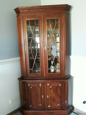 AU450 • Buy Used Antique Corner Cabinet With Classic Glass Display Cupboard
