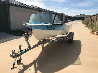AU800 • Buy Half Cab, Fibre Glass Boat 25hp And Trailer. Comes With Extras, Project