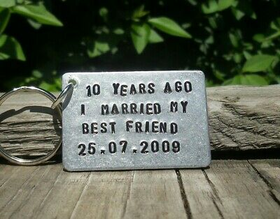 Personalized Keychain 10th Wedding Anniversary Gifts For Men Her Aluminium Tin  • 12.99£