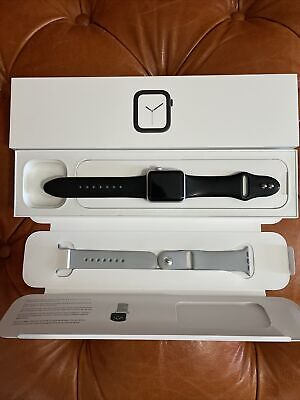 $ CDN52.09 • Buy Apple Watch Series 3 - 38mm Silver Aluminum (GPS + Cellular) **No Mag Charge**