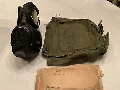 $98.99 • Buy US M17 Vietnam War Gas Mask 1966 Dated Medium With Hood And Vintage Bag