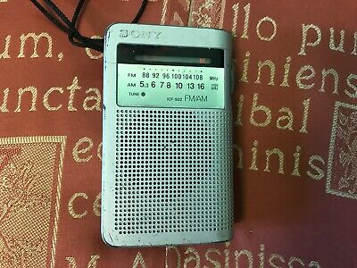 Sony ICF-S22 AM/FM Radio • 7£