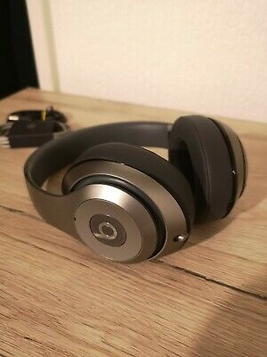 Beats By Dr Dre Studio 2 Wired Titanium • 75£
