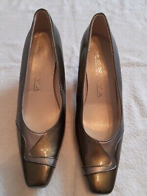 BN NEW Ladies Pewter And Green Court Shoes Size 5.5 UK Geneva 2.75  Heel • 19.99£