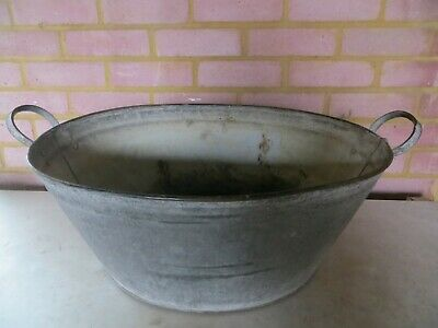 Vintage Galvanised Oval Wash Tub/ Tin Bath/ Planter With Handles • 6£