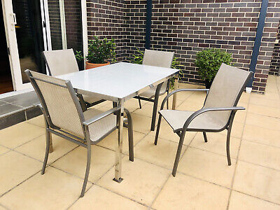 AU100 • Buy Outdoor Dining Setting Used