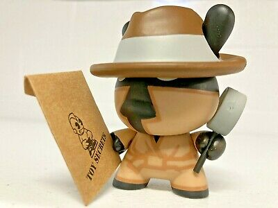 $11.49 • Buy Kidrobot Dunny Series 5 Secret Agent By MAD 2008 Detective Spy Bearbrick Chase