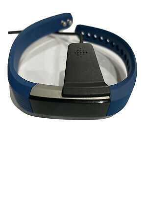 AU31 • Buy Fitbit 3542538 ALTA HR With Charger