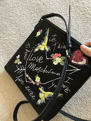 LOVE MOSCHINO Black Message Bag With Embroidery Print • 45£
