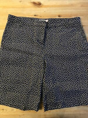 Marks And Spencers Per Una Ladies Shorts Size 14 Used • 1.70£