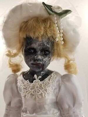 Scary Zombie Bride Doll  • 39.80£