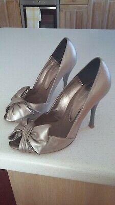 Bourne Shoes. Size 3.5 (36) Pewter Metalic Leather. Silver Stiletto Heels  • 30£
