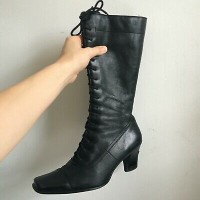 2000s / Victorian Style Black Lace Up Boots With Rectangular / Square Toe • 25£