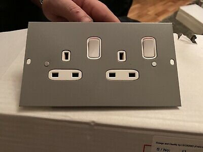 Electrak 13a 2 Gang Double Switched Socket Clean Earth Floor Box • 5£