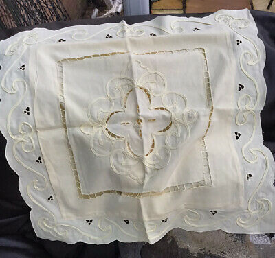 Pair Of Pretty Vintage  Cushion Covers Pale Yellow Cotton Embroidery Lace Detail • 5£