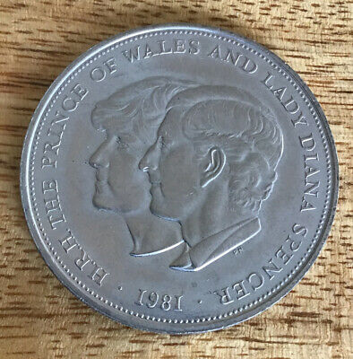1981 Crown Coin The Royal Wedding Of Prince Charles & Lady Diana Spencer 1981 • 0.99£
