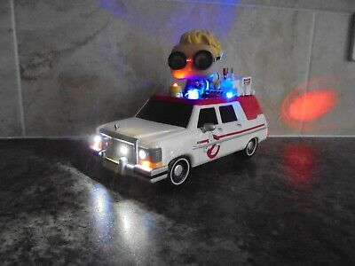 Awesome Funko Pop Rides Ghostbusters Ecto 1 With Working Lights & Figure • 29.99£