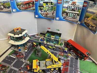 LEGO City Town Square (60026) With All Mini Figures & 5 Sets Of Instructions • 85£