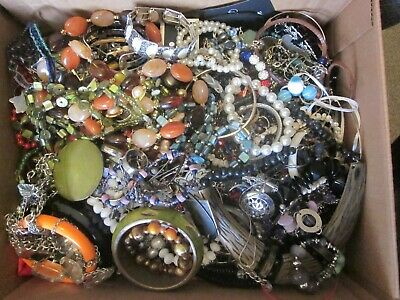 $ CDN25 • Buy Huge Vintage Now 20 LBS Mixed Jewelry Lot Craft Harvest Resell Lots Wearable