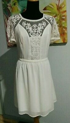 AU7.50 • Buy Kimchi Blue Size 12 Lace Dress (Urban Outfitters)