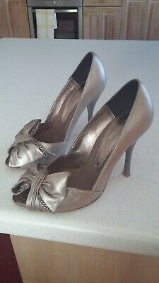 Bourne Shoes. Size 3.5 (36) Pewter Metalic Leather. Silver Stiletto Heels  • 25£