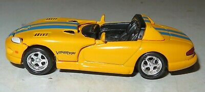 $3.99 • Buy 2004 DODGE VIPER SRT10 JOHNNY LIGHTNING 1:64 Playing Mantis 2000 NO Windshield