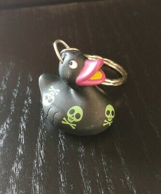 Rubber Duck Keyring - Skull And Crossbones Pirate  • 1£
