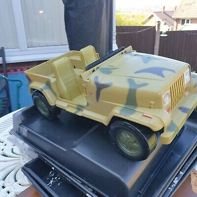 Action Figure Jeep HM ARMED Forces Size Man Used Condition • 12.99£