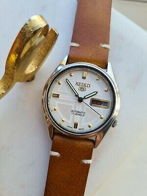 $ CDN79.29 • Buy Vintage 1982 Seiko 5 Automatic Mens Japan Made Watch Day/Date 80s 7009-202J
