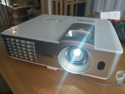 Benq W1070, 1080p Native 3d Projector. Immaculate Condition. See Description  • 249£