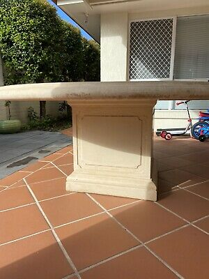 AU350 • Buy Used Stone Round Outdoor Table