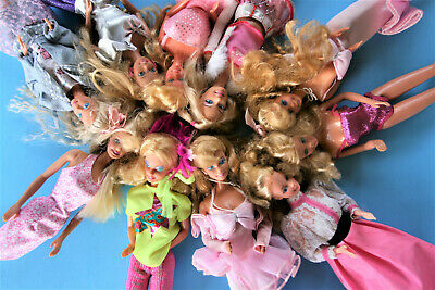 $ CDN30.23 • Buy Lot Of Ten Vintage Barbies 1966 And Barbie Fashion Doll Trunk